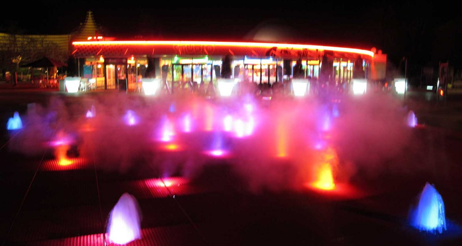 musical_fountain_tornado_futuroscope_12